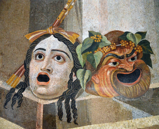 Mosaic_depicting_theatrical_masks_of_Tragedy_and_Comedy_(Thermae_Decianae)